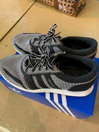 🚚 Adidas Los Angeles shoe