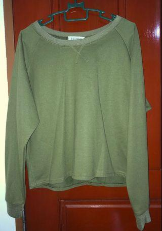🚚 Navy green pullover