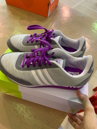 🚚 Adidas Neo shoes