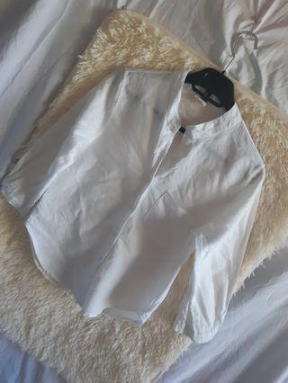 White chinese collar longsleeve top