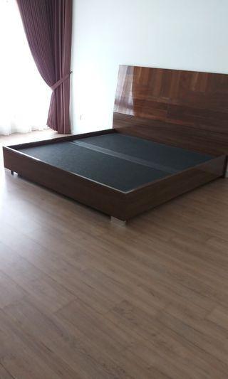 Kingsize Bed Teak wood