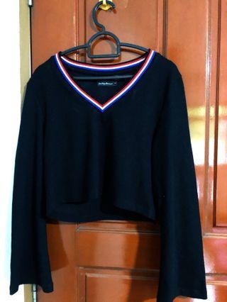 🚚 V-neck long sleeved shirt