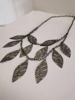 🚚 Necklaces