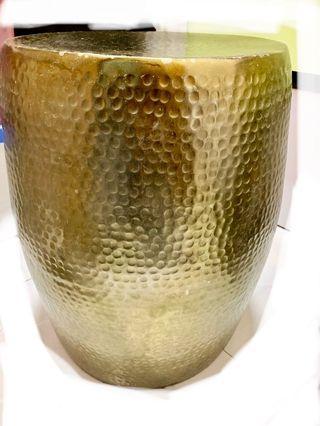 金色金屬茶几 / 可做椅