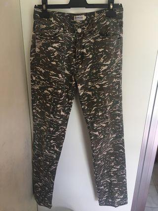 BEAMS BOY Camouflage Jeans 迷彩長褲