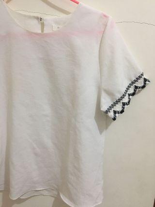 🚚 白色T恤