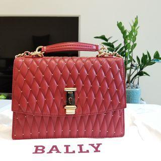 BALLY LY LA