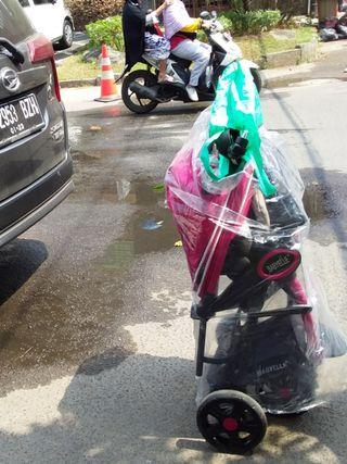 Pick up stroller with grabexpress car