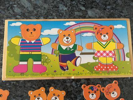 🚚 Wooden Puzzle - Bear Family Dress Up