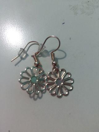 🚚 Flower earrings