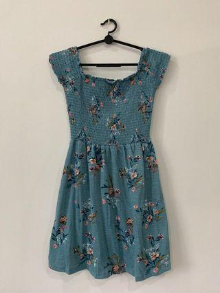 🚚 Off-shoulder floral dress