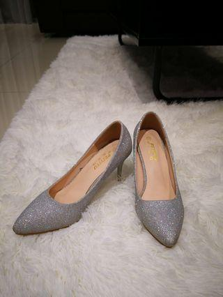 Blissful Silver High Heels 6cm (worn once)