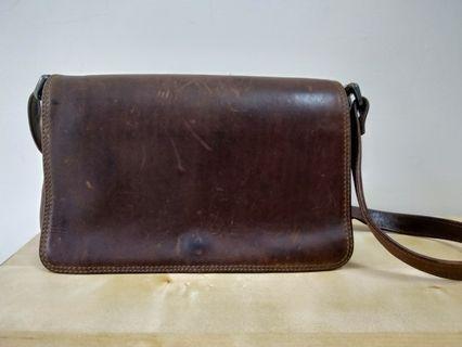 🚚 Adrian Klis Leather Bag - 加拿大牛皮包