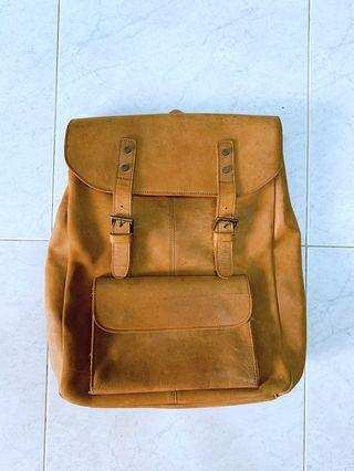 🚚 Leather Back Pack