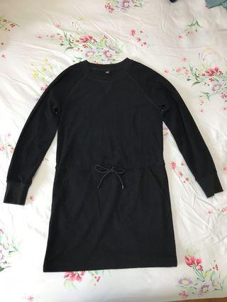 UNIQLO drawstring fleece black dress