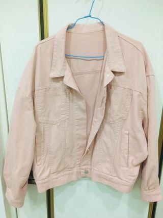 粉色牛仔外套