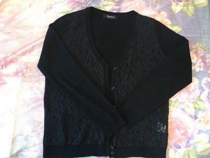 🚚 黑色蕾絲線衫