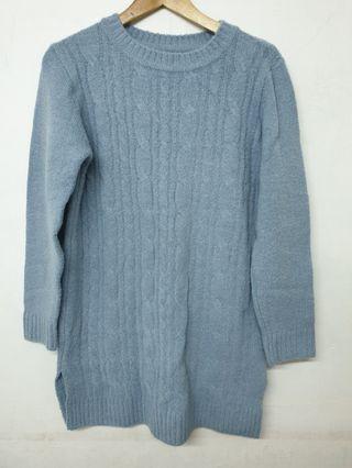 🚚 長版水藍色毛衣
