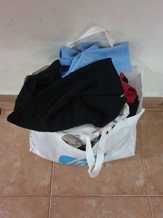 🚚 35 units of clothing