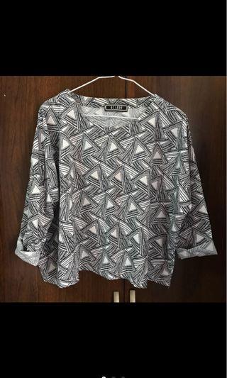 幾何圖騰七分袖上衣