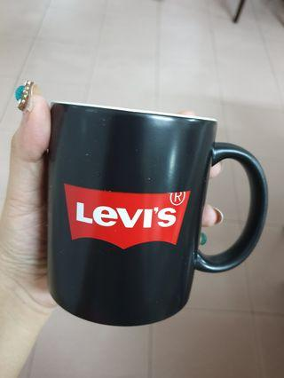 Levi's mug