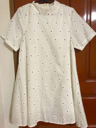 🚚 Daisy dress