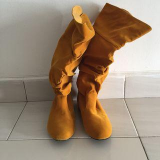 Yellow color boot