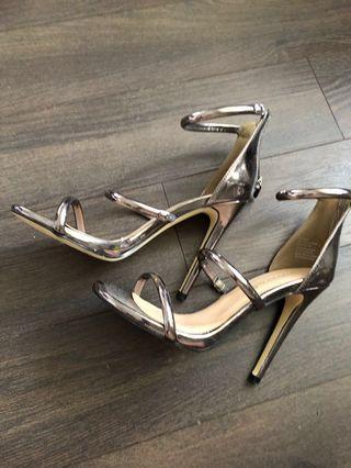 Gunmetal tube strap heeled sandal size 7.5