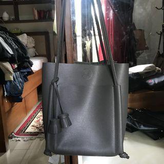 gray bag no brand