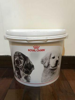 Royal Canin寵物飼料桶