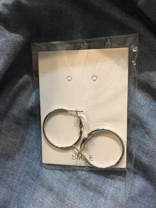 🚚 銀色 圓圈 耳環 全新