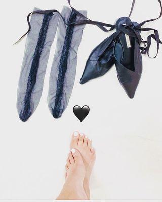🚚 黑蕾絲襪