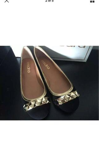 ESDRA black leather flat w/ gold detail shoes 真皮黑色斯文上班平底鞋 sz 37