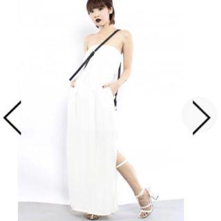 🚚 White Visor Tube Maxi Dress