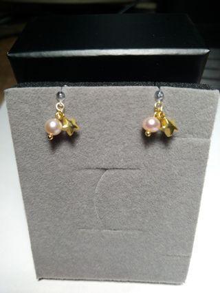 🚚 Pinkoi 設計師款 全新 粉珍珠星星矽膠夾式耳環