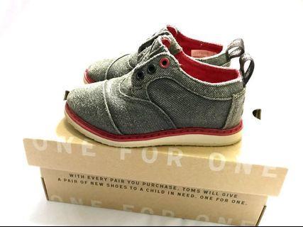 TOMS brogue boy's boots/shoe