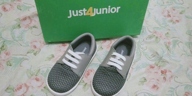 Sepatu just 4 junior