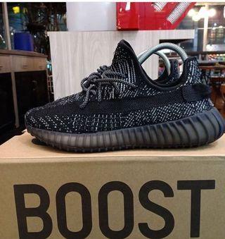 #mauthr Adidas Yeezy Boost 350 V2 Triple black