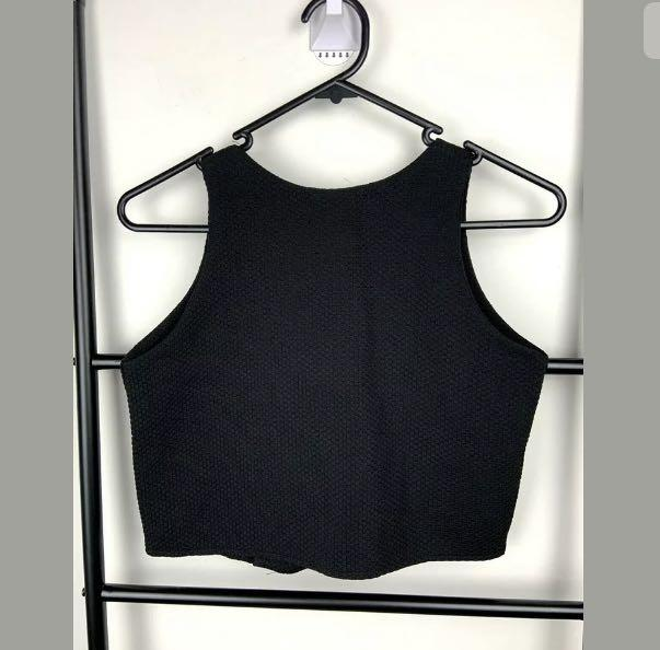 Black crop tank top vest sz XS/S chunky button down basic over textured casual