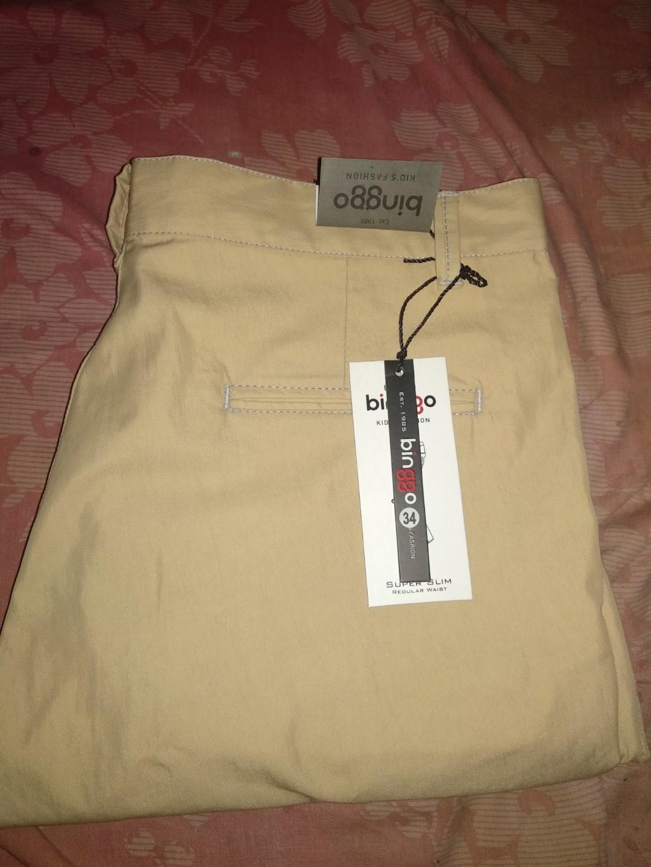 Celana pendek pria Chino bahan warna cokelat muda ukuran 34