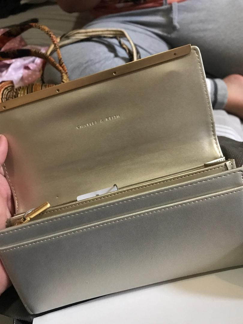 Dompet charles&keith ck6-10770146