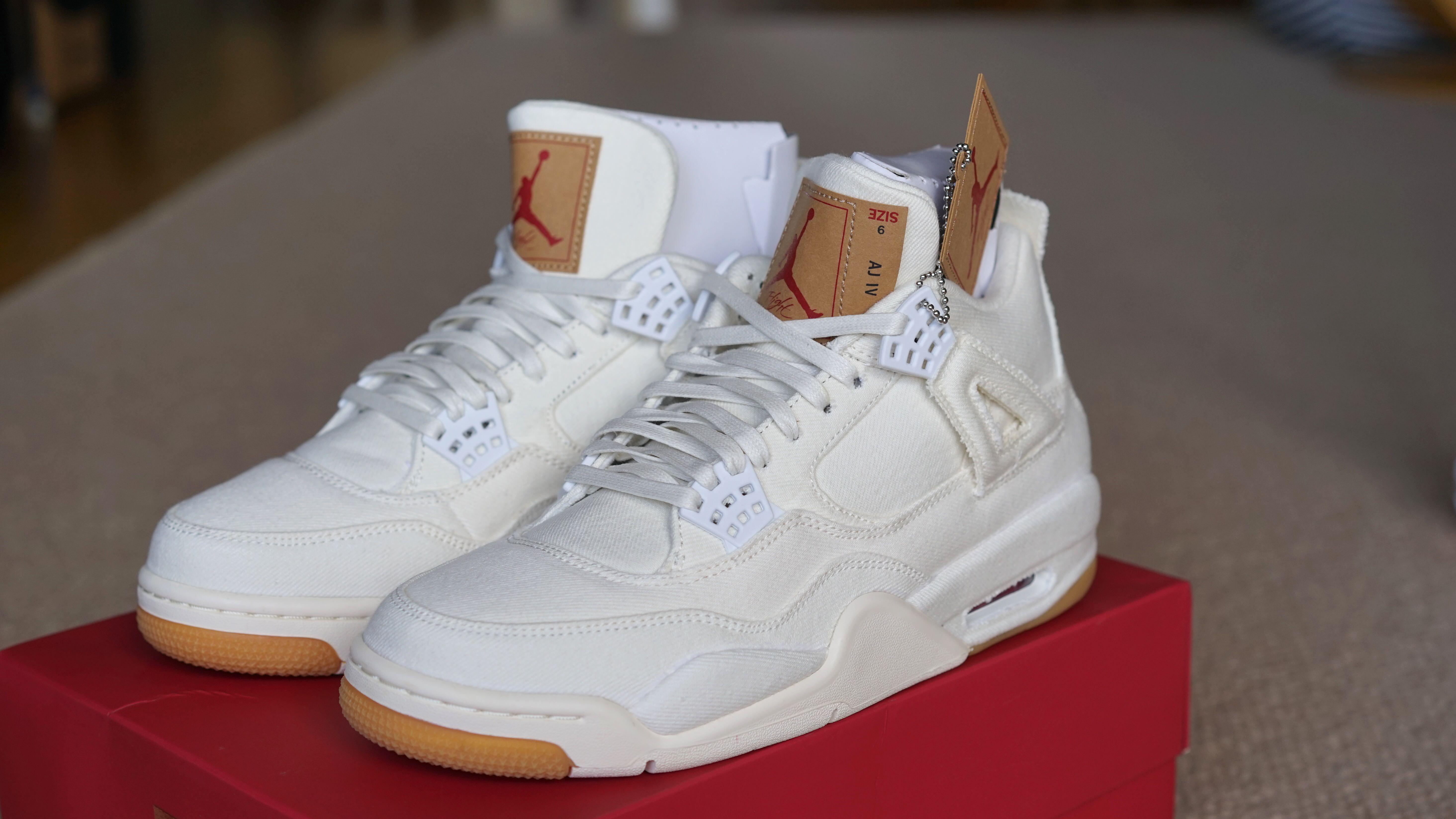 "Levis x Air Jordan 4 Retro ""White Denim"""
