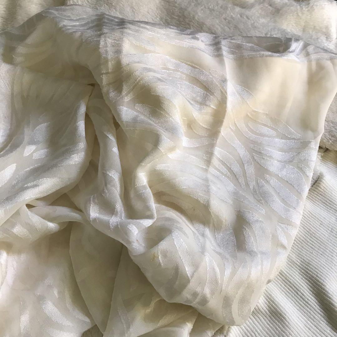 #Mauthr jilbab square putih tulang premium