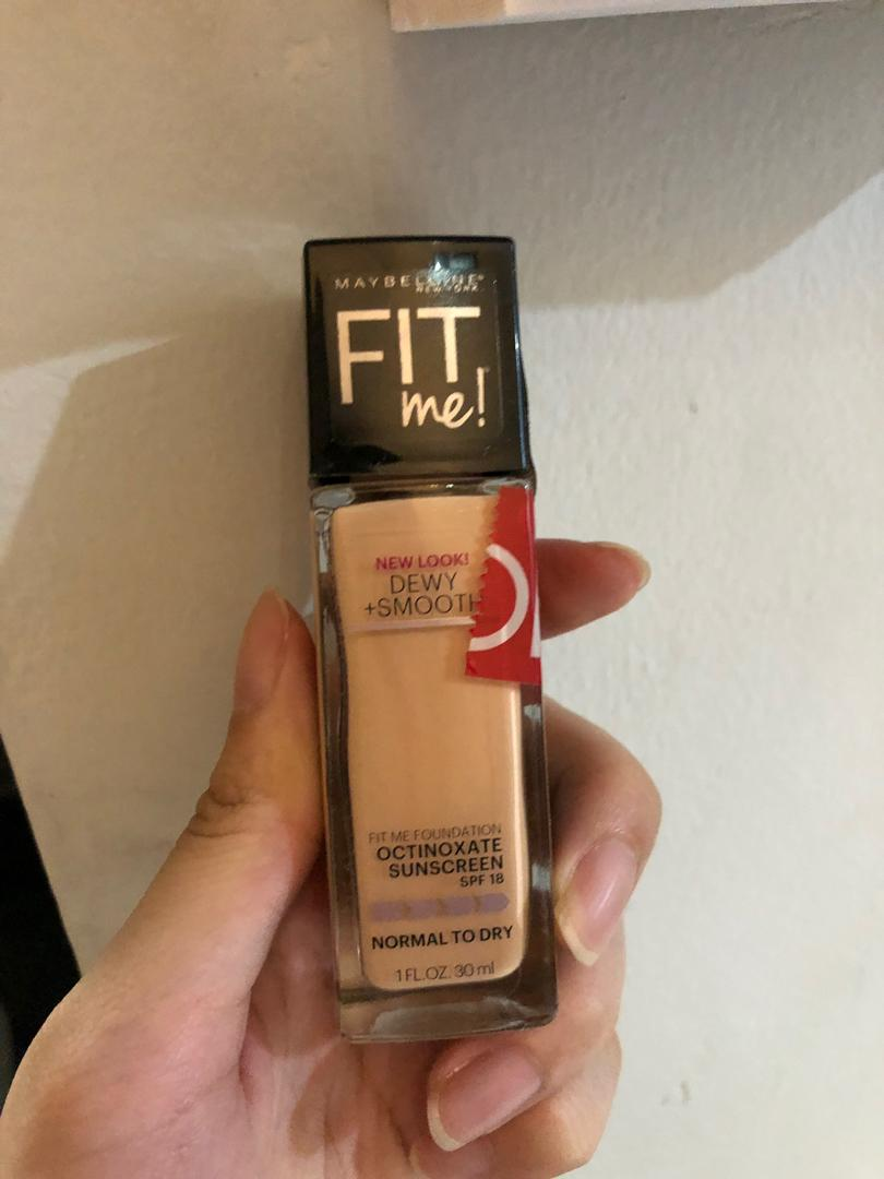 Maybelline Fit Me Foundation (dewy) shade 115