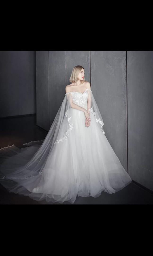 Wedding Gown/ off shoulder