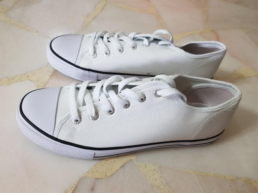 White canvs school Shoes, Men's Fashion