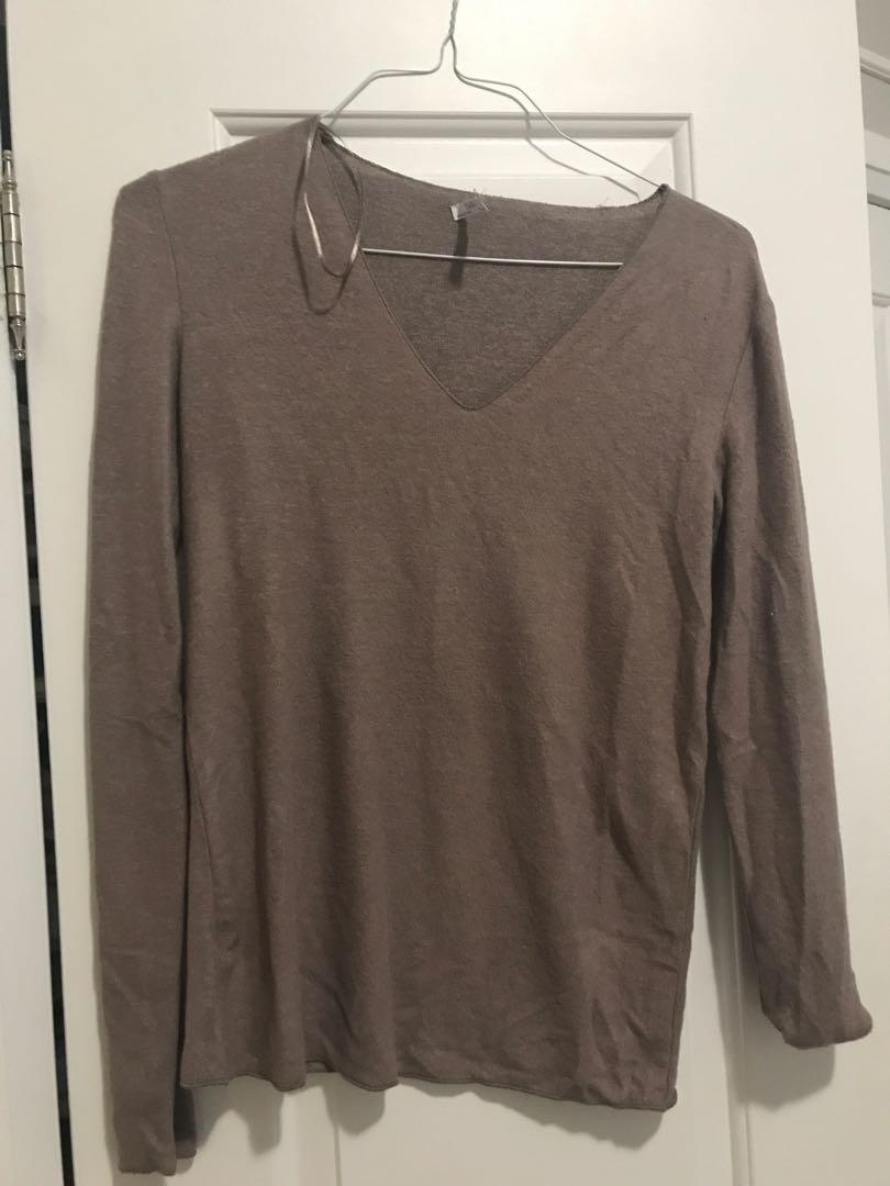 Zara long sleeved shirt. Pick up only.
