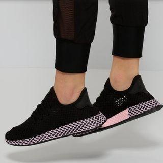 🚚 Adidas Deerupt Runner Shoes