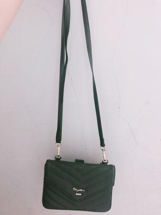 🚚 橄欖綠斜背包