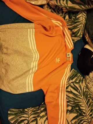 🚚 Adidas Trefoil Sweatshirt/ pullover